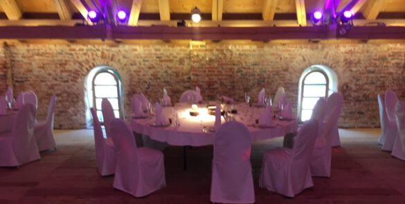 Dekorierter Tisch eines Events in München